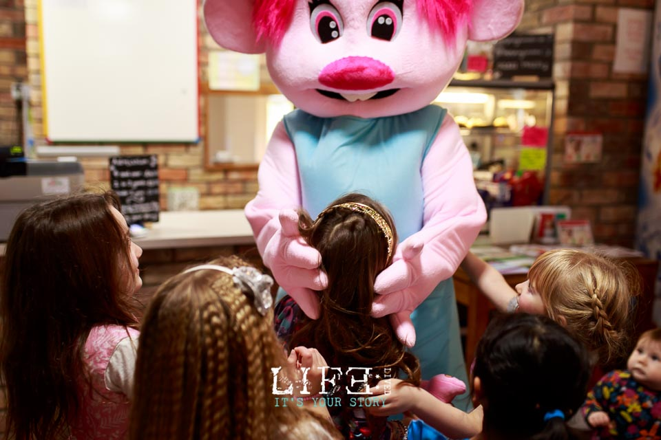 lincoln-lifestyle-child-birthday-photographer-lifelivedphotography-hollytree-17