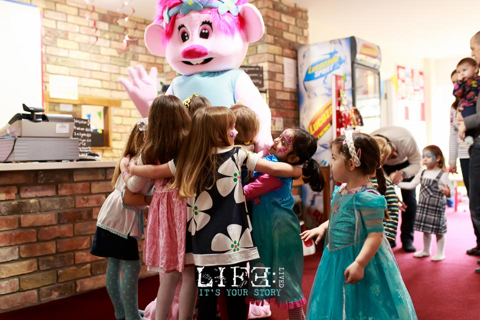 lincoln-lifestyle-child-birthday-photographer-lifelivedphotography-hollytree-23