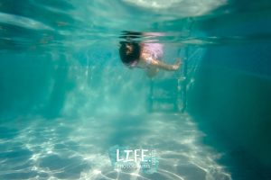 underwater child photography